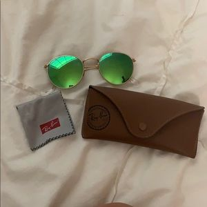 Polarized green round frame ray bans